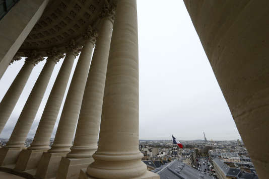 Les colonnes du Panthéon à Paris.