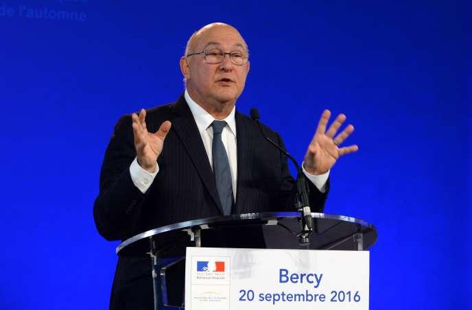 Le ministre des finances Michel Sapin lors de sa conference de presse du mardi 20 septembre.