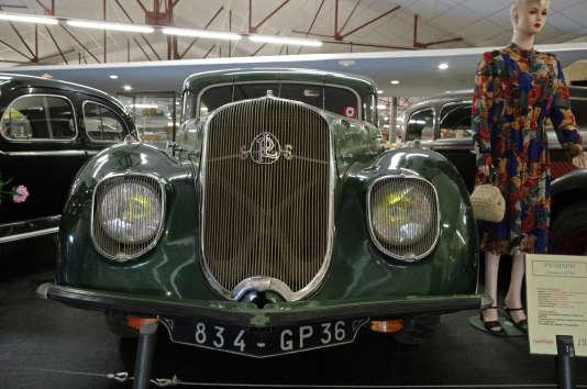 Une Panhard Dynamic exposée au Musée de Valençay (Indre).