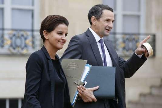 Najat Vallaud-Belkacem et Thierry Mandon, le 16 septembre 2015. AFP PHOTO PATRICK KOVARIK