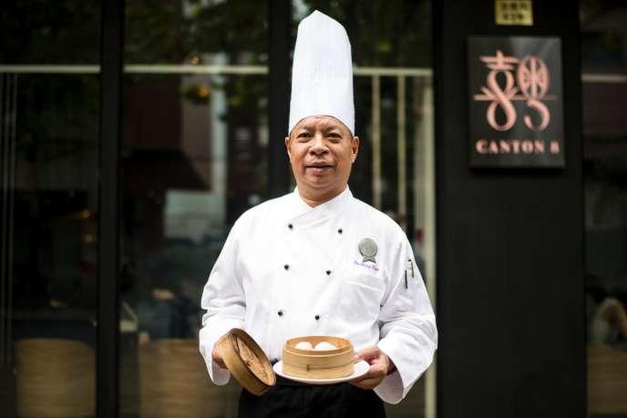 Jie Ming Jian chef du Canton 8a reçu deux étoiles dans le nouveau guide Michelin consacré à la Chine.