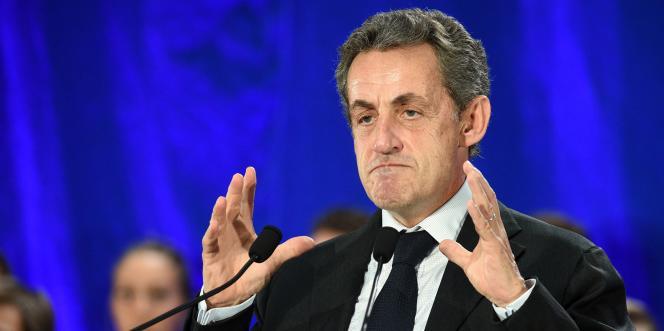 Nicolas Sarkozy en meeting à Marc-en-Bareul après une visite à Calais, le 21 septembre.