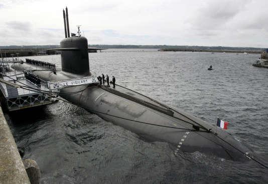 Le sous-marin nucléaire lanceur d'engins (SNLE) «Le Vigilant», à l'île Longue, près de Brest, en juillet 2007.