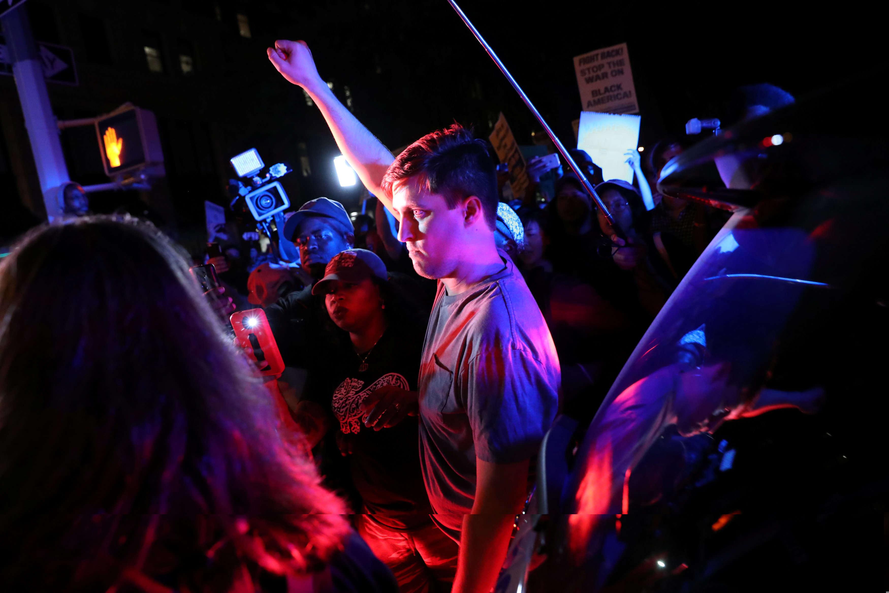 Pendant une marche contre la police de Charlotte à Manhattan, à New York, le 21septembre.