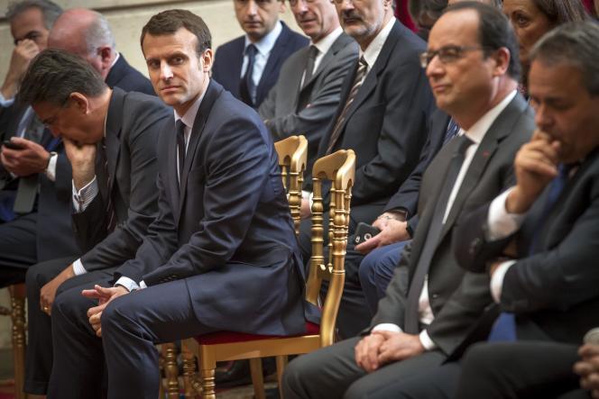 Emmanuel Macron et François Hollande à l'Elysée, mardi 24 mai.