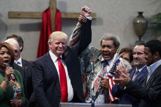 Le promoteur de combats de boxe Don King est venu soutenir Donald Trump lors de son meeting à Cleveland (Ohio), le 21 septembre.
