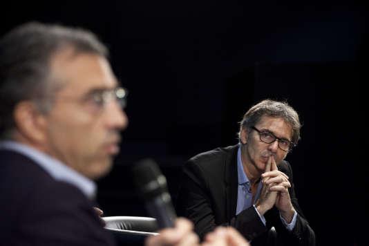Dominique Reynié, de la Fondation pour l'innovation politique, et Gilles Finchelstein, de la fondation Jean-Jaurès, au Club de l'économie du« Monde», mercredi 21septembre.