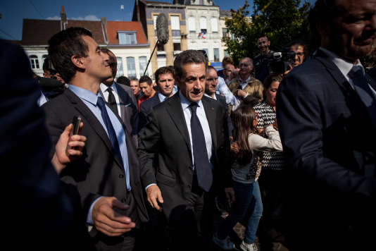 """Arivée de Nicolas Sarkozy à la librairie dans laquelle s'est tenuela séance de dédicace de son dernier livre, """"Tout pour la France"""", à Tourcoing, le 21 septembre."""