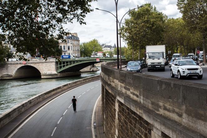 Berge réservée aux piétons, rive droite, à Paris, le 16 septembre 2016.
