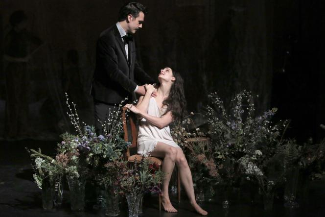 Florent Baffi et Judith Chemla dans« Traviata», de Benjamin Lazar d'après Verdi aux Bouffes du Nord à Paris.