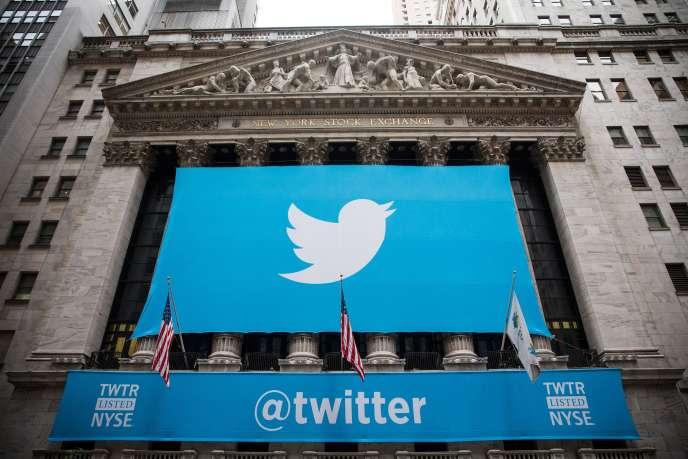 Google et Salesforce auraient entamé des discussions préliminaires en vue d'acquérir Twitter.