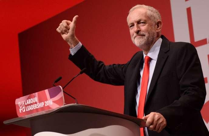 Le chef du parti travailliste britannique, Jeremy Corbyn, a été reconduit à son poste le 24 septembre.