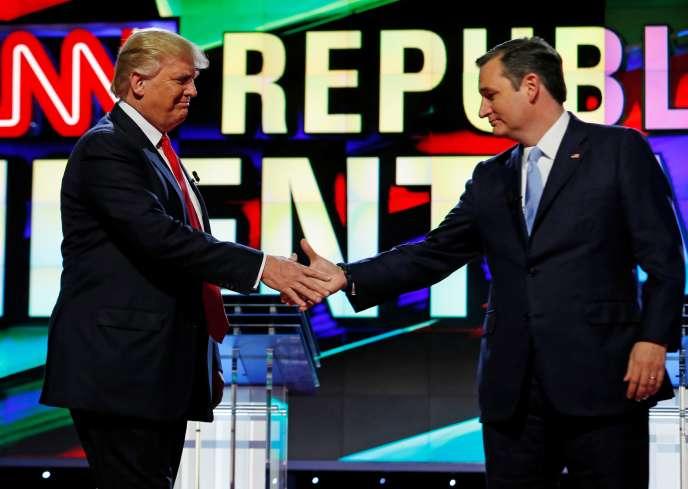 Donald Trump and Ted Cruz à lafin du débat pour le choix du candidat du parti Républicain à Miami ( Floride) le 10 mars 2016.