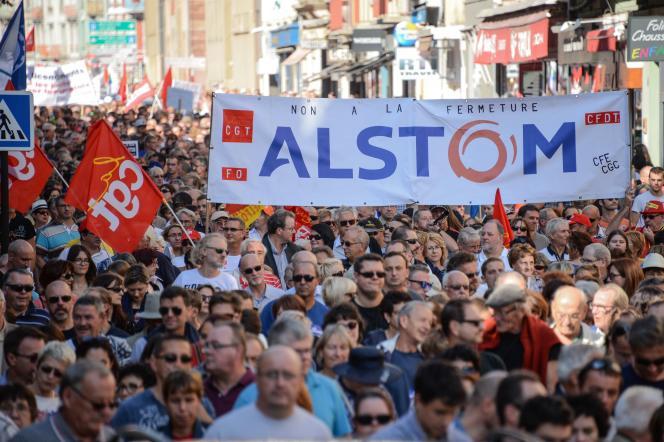 A Belfort lors d'une manifestation contre l'arrêt de la production de l'usine Alstom, le 24 septembre.