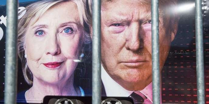 Affiches des deux candidats à la présidentielle américaine avant le débat de lundi 26 septembre.