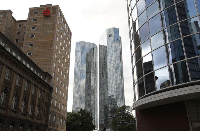 Le siège de la Deutsche Bank, à Francfort, fin septembre.