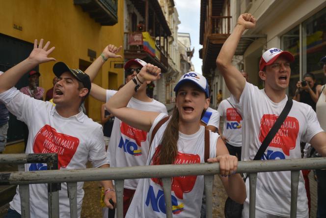 Manifestation contre l'accord de paix avec les FARC, à Carthagène des Indes, en Colombie, lundi 26 septembre 2016.