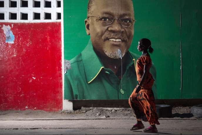 Affiche de campagne de John Magufuli à Dar Es-Salam, le 29 octobre 2015.