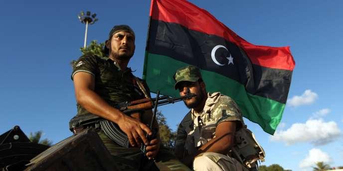 Des troupes libyennes loyales à Khalifa Haftar, le 14 août 2015 à Benghazi.