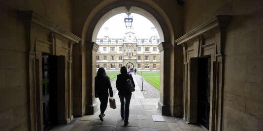 Etudiants de l'université de Cambridge, au Royaume-Uni.