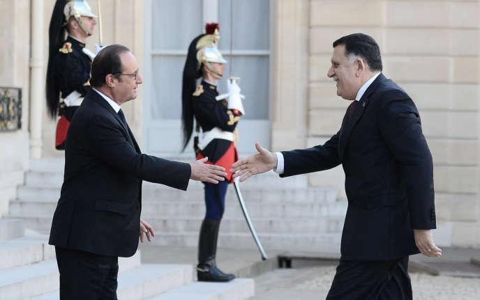 Le président français, François Hollande, accueille le premier ministre libyen, Faïez Sarraj, à l'Elysée, le 27 septembre 2016.