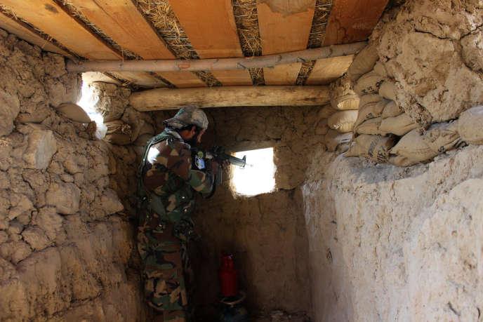 Un soldat afghan lors d'une opération anti-talibans près de Kunduz, le 27 septembre.