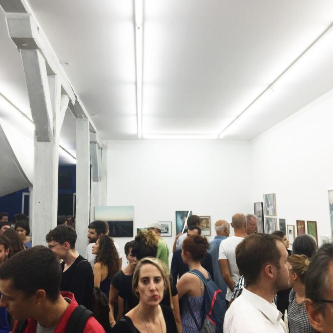 Le soir du vernissage de« Matin, midi et soir», exposition où les œuvres n'étaient pas à vendre, mais à troquer.