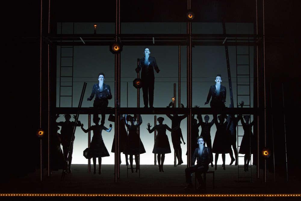 Ces trois représentations ont lieu mercredi 28 et jeudi 29 septembre au Théâtre du Châtelet (Paris 1er) à 19 heures. Le spectacle dure 4 heures.
