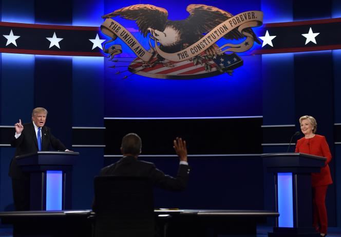 Le candidat républicain, Donald Trump, et son adversaire démocrate, Hillary Clinton, lors du débat télévisé du 26 septembre, à New York.
