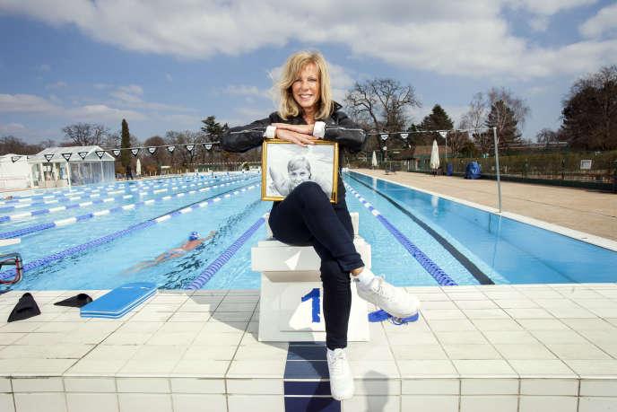 Christine Caron, à la piscine de la Croix-Catelan, à Paris