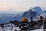 Grâce à un nouveau système GPS, la fonte des glaces au Groenland a été réévaluée à la hausse (+ 7,6 %).