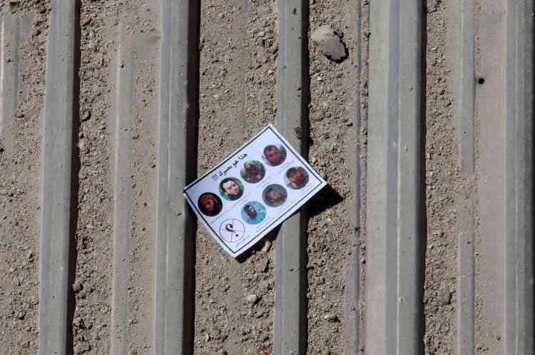 Un tract d'avertissement largué par l'armée syrienne dans le quartier Tarik Al-Bab d'Alep, le 25 septembre. En plus des portraits de commandants rebelles tués, on peut y lire : «Ceci est votre destin !!!» et « Qui est le prochain ?»
