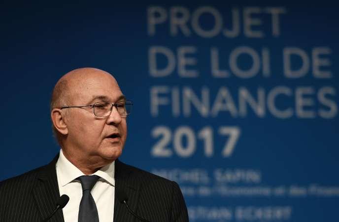 Le ministre de l'économie et des finances Michel Sapin lors de la présentation du projet de loi de finances 2017, le 28 septembre.