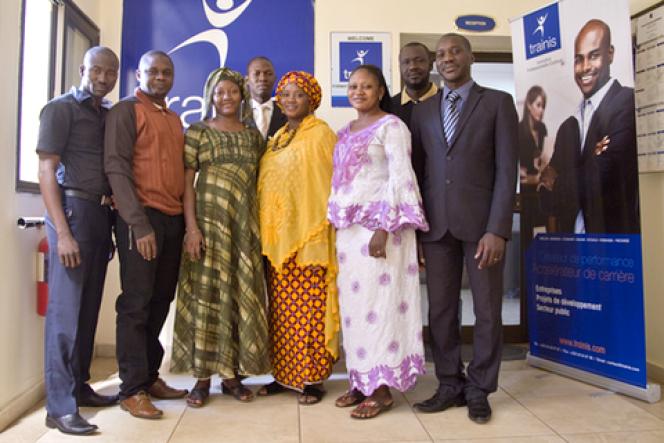 Douada Coulibaly (droite)a fondé et son équipe la société Trainis, spécialisée dans la formation et l'éducation au Mali. C'est un des projets dans lesquels a investiI&P