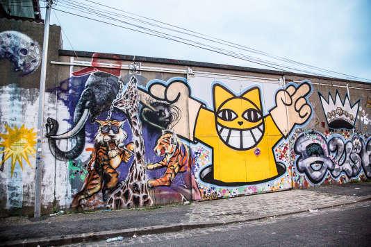 Graffiti du street-artiste Monsieur Chat.