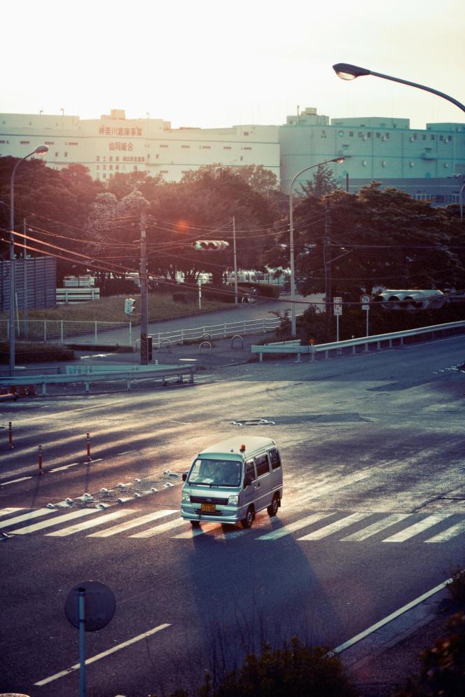 Subaru, notamment avec son minivan Sambar, rencontre un franc succès avec ses « kei cars».