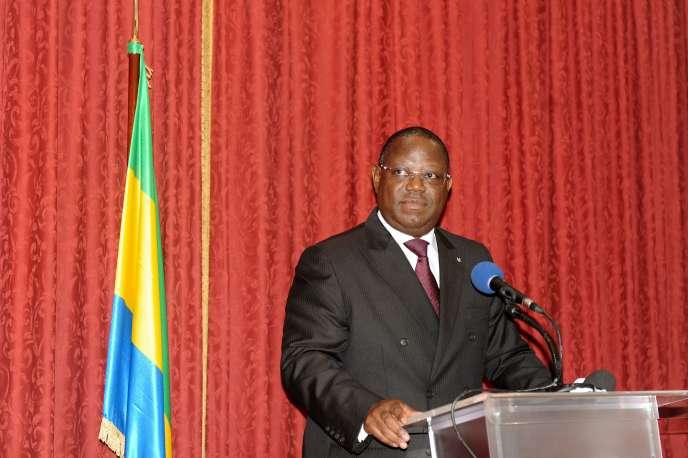 Le nouveau premier ministre gabonais Emmanuel Issoze Ngondet à Libreville, le 29 septembre 2016.