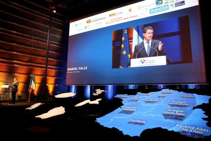 Manuel Valls au Congrès des régions de France, le 29 septembre à Reims.