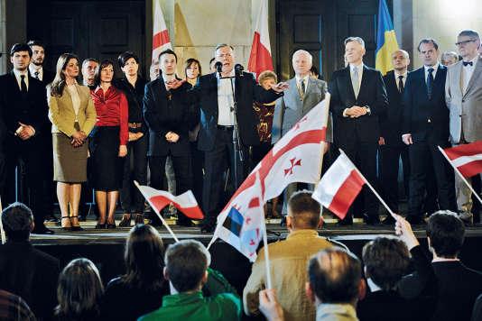 Lech Kaczynski, le président polonais décédé dans le crash aérien, est interprété par l'acteur Lech Lotocki.