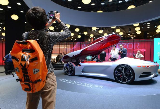 La Renault Trezor, un concept-car ventant les mérites desvoitures électriques et autonomes, le 1er octobre au Mondial de l'automobile, à Paris.