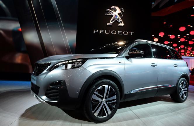 La nouvelle version du Peugeot 5008 présentée au Mondial de l'automobile, vendredi 30septembre à Paris.