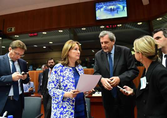 Les ministres de l'environnement des Vingt-Huit, convoqués en conseil extraordinaire vendredi 30 septembre au matin, se sont entendus sur une procédure de ratification accélérée de l'accord de Paris.