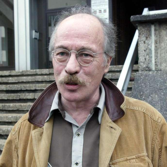 Le dessinateur Ted Benoît lors du 29e Festival de la BD à Angoulême, le 26 janvier 2002.