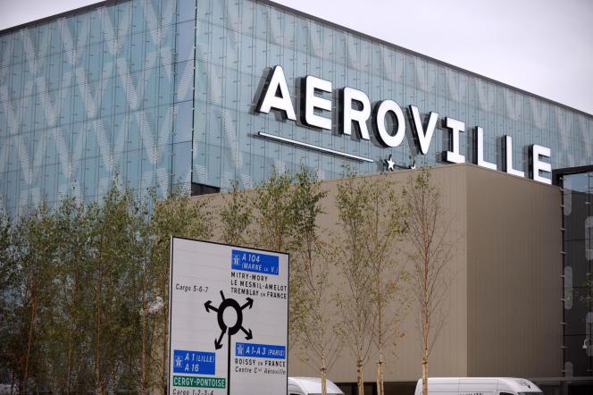 Vue du centre commercial d'Aéroville, à Tremblay-en-France (Seine-Saint-Denis), ouvert le 16 octobre 2013.