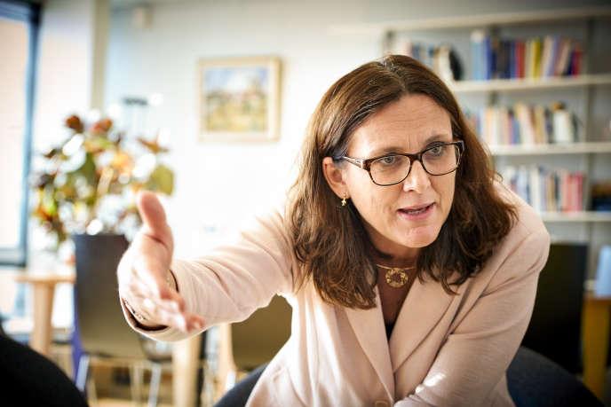 La commissaire européenne au commerce, Cecilia Malmström, tente de débloquer le processus d'approbation de l'accord CETA, grippé par le veto de la Wallonie.