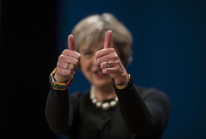 Theresa May, à l'issue de son discours d'ouverture du congrès du Parti conservateur, à Birmingham, le 2 octobre.
