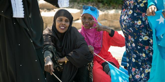 Des Américanes originaires de SOmalie, célèbrent la fête de l'indépendance de la Somalie, à Minneapolis, le 1er juillet 2016.
