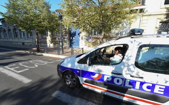 Une patrouille de police à Bordeaux, le 1er septembre 2016.