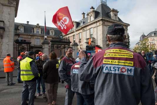Manifestation le 4 octobre devant la préfecture, à Belfort.