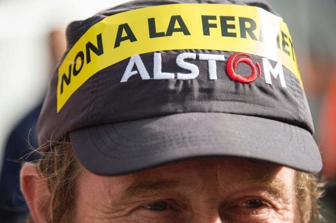 L'Etat et la SNCF commanderont 21 TGV, SNCF Réseau 20 locomotives, tandis qu'Alstom investira 40millions d'euros d'ici 2020 pour diversifier son site belfortain.